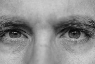 Blick in die Augen eines Mannes