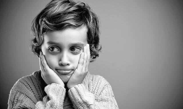 Kind, dass sich schuldig fühlt